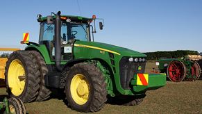John Deere Tractor scaled