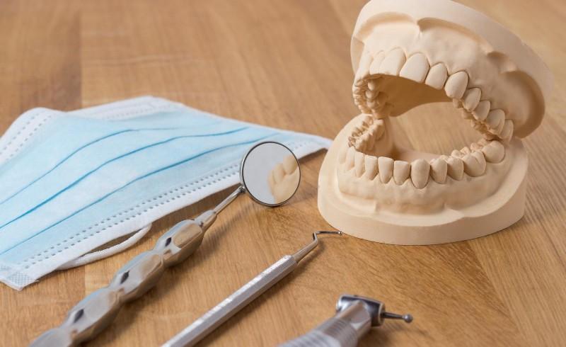 dental-assisting-school-800x490